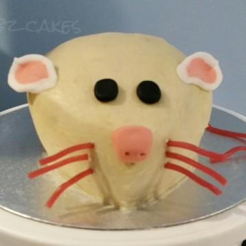 'White mouse' cake